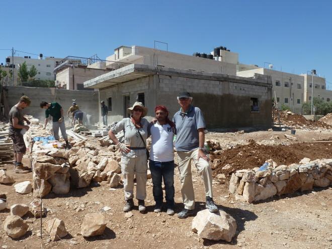 Die deutschen Teilnehmer mit Bauleiter Riyad.